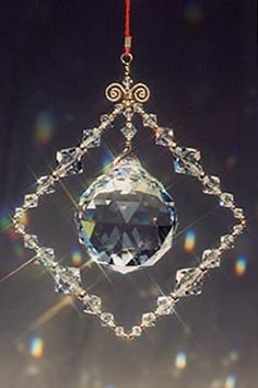 http://www.vibrant-life.org/starchildcreations//images/feng-shui-crystal-mobiles/large/ldclearlg.jpg