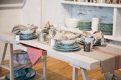 Ouverture de la Boutique Vestibule art de vivre | Une vie marginale et heureuse Vestibule, Boutique, Kitchen Cart, Table Settings, Shop, Home Decor, Openness, Home Decoration, Shops