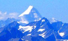 Jasper National Park, View of Mount Robson Jasper National Park, National Parks, Outdoor Adventures, Banff, Mount Everest, Ice, Mountains, Landscape, Nature