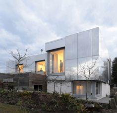 Espelhada, construção é pura eficiência energética