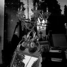 """Vitrine"" #display #antique #vitrine #antiquité #lustre #luster #miroir #portrai..., #Antique #antiquité #blackandwhite #bnw #bnw_bangkok #bnw_thailand #bnwphotography #bnwthailand #contrebasse #croix #Display #genève #Igers_Street #leicacamera #leicacommunity #leicaphotography #leicathailand #lumiere #luster #lustre #lustredesign #miroir #portrai #portrait #sgp_geneve #streetofgeneva... Leica, Lustre Design, Bangkok, Display, Portrait, Glass Display Case, Double Bass, Mirror, Floor Space"