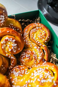 Food N, Good Food, Food And Drink, Fall Recipes, Great Recipes, Snack Recipes, Christmas Desserts, Christmas Baking, Donuts