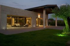 Under The Roof / Foraster Arquitectos