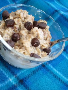 "Overnight Cookie Dough Oatmeal. THE VERDICT: Yummy! Maybe my favorite overnight oatmeal.  I omitted the chocolate chips.  Would be better to make this with more cinnamon and add raisins... Think ""cinnamon raisin cookie"""
