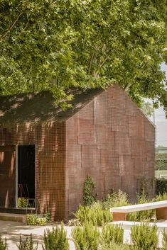 Image 14 of 19 from gallery of Tennis & Padel School Office / BETA.ø architecture office. Photograph by Imagen Subliminal Architecture Office, Contemporary Architecture, Building Architecture, Madrid, Pine Plywood, Small Buildings, Small Houses, Deciduous Trees, School Office