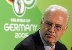 Der Bericht der Kanzlei Freshfields bestätigt: Vor der Fußball-WM 2006 sind über Umwege zehn Millionen Schweizer Franken in Katar gelandet. Der Geldfluss wurde initiiert von: Franz Beckenbauer.