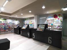 Farmacia Peserico, Rosà, Italia.  Pharmacie réalisée par notre filiale Mobil M Italie.