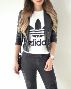 Image in fashion collection by ɹnoN on We Heart It Casual College Outfits, Cute Casual Outfits, Outfits For Teens, Stylish Outfits, Girl Outfits, Teenager Outfits, Kpop Fashion Outfits, Girls Fashion Clothes, Fashion Dresses