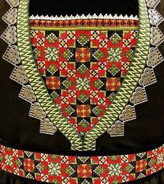 Bunad og Stakkastovo AS Hardanger Embroidery, Embroidery Patterns, Afghan Clothes, Star Patterns, Folklore, Time Travel, Norway, Diy And Crafts, Scrappy Quilts