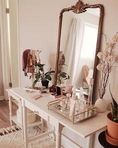 Room Ideas Bedroom, Bedroom Decor, Elegant Home Decor, Vanity Decor, Aesthetic Room Decor, My New Room, Room Inspiration, Living Room Decor, Interior Design