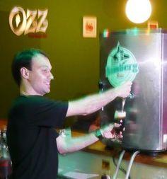 Foi noOzz Food Music Bar, em Campinas, que a novíssima cerveja no estilo rauchbier da Cervejaria Bamberg fez a sua estréia oficial, após a visita do