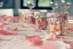 Décoration de table pour l'anniversaire de vos enfants ! Source : http://mamantaupe.blogspot.fr/2013/05/lanniversaire-de-charlie-part-1.html