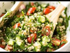 Israeli Couscous Salad: couscous tossed with spinach, tomato, cucumber, herbs and a fresh lemon dressing. Pearl Couscous Salad, Israeli Couscous Salad, Couscous Salad Recipes, Herb Salad, Salad Bar, Side Salad, Veggie Recipes, Vegetarian Recipes, Cod Recipes