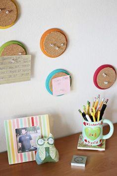 Diy dorm room crafts : DIY Colorful Circle Cork Boards To Organize Your Home Office Or Dorm Diy dorm room crafts : DIY Colorful C. Dorm Room Crafts, Diy Dorm Decor, Dorm Decorations, Diy Cork Board, Cork Boards, Pin Boards, Memo Boards, Chalk Board, Bedroom Organization Diy