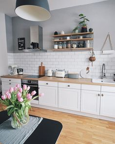 Rustic Country Kitchens, Modern Farmhouse Kitchens, Farmhouse Kitchen Decor, Home Decor Kitchen, Interior Design Kitchen, Home Kitchens, Interior Plants, Interior Ideas, Kitchen Ideas