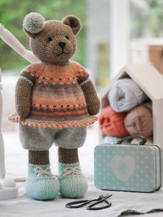 Sock Yarn Bear Jacket Knitting Pattern B - Diy Crafts - Marecipe Knitting Bear, Knitted Teddy Bear, Crochet Bear, Crochet Toys, Knitting Projects, Crochet Projects, Animal Knitting Patterns, Teddy Bear Clothes, Little Cotton Rabbits
