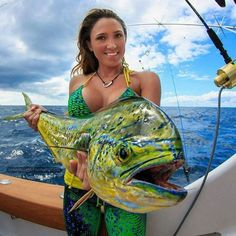 Dolphin fishing - fishing girls - fishing moment - Dolphin fishing is my favorite outdoor activity, Fishing Girls, Sport Fishing, Gone Fishing, Kayak Fishing, Fishing Photos, Hunting Girls, Deep Sea Fishing, Fishing Outfits, Saltwater Fishing