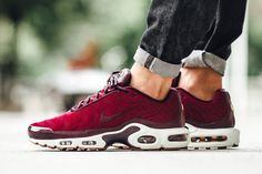 Nike Air Max Plus Premium Wmns – Night Maroon / Night Maroon – Noble Red – Sail