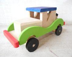 Carrinho de madeira Retrô                                                                                                                                                                                 Mais