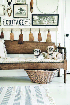 Cozy seeker and interior designer, Liz Marie, shares her favorite farmhouse entryway bench that she just found at her Vintage Market. French Cottage, Cozy Cottage, Cottage Style, Entryway Decor, Entryway Bench, Entrance Decor, The Found Cottage, Estilo Interior, Foyer Decorating