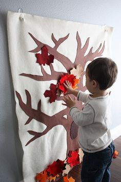 "thinking of making a felt board with a tree that we can change leaf colors with seasons... each leaf will represent the day of the month and be a ""pocket"" for family members to put a thank you for.../praise of.../prayer for... etc.."