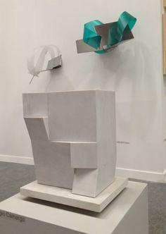 Sergio Camargo e Iole de Freitas, Stand L6, Armazém 4.  @artriofair Galeria Raquel Arnaud Art Installations, Installation Art, Contemporary Sculpture, Modern Contemporary, Abstract Sculpture, Sculpture Art, Art Through The Ages, Magnum Opus, Texture Art