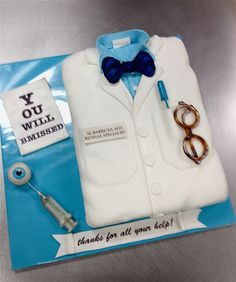 eye doctor cake by debbiedoescakes, via Flickr