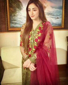 42 Best Sanam chaudhry cute   images in 2017 | Pakistani actress