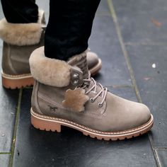 Outfit | Winter Style | Mustang Shearling Schnür Boots | Ready for Snow | hot-port.de | 30+ Style Blog  #winterboots #mustang #mustangboots #shearlingshoes