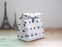 Traditional-style Fabric Gift Bags Instructions DIY step-by-step tutorial.