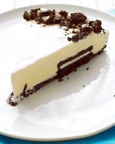 Cookies and Cream Tart: creamy vanilla ice cream with a chocolate cookie crust :)    Martha Stewart
