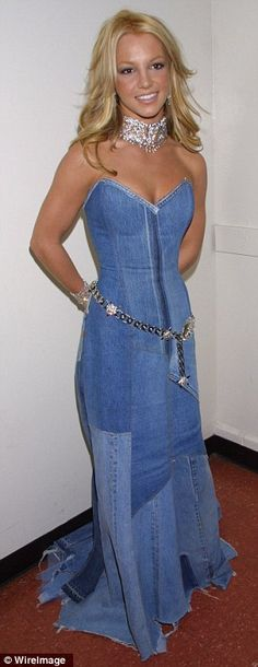 ... was quick to praise her pal for her creative tribute during the 2014 MTV VMAs on Sunday, tweeting, '.@katyperry Just when I thought the denim dress had ...