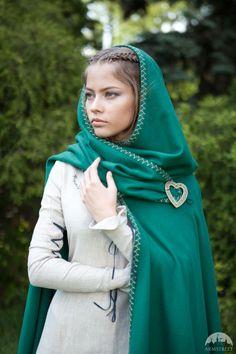 """""""Fairy Tale"""" woolen cloak"""