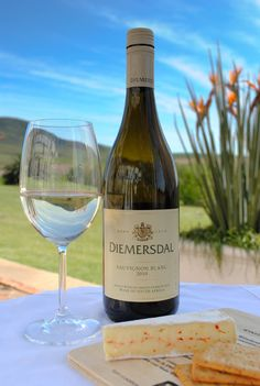 Wines and beverages with focus on South Africa, tasted both blind and sighted using 100 points scoring system. South African Wine, Alcoholic Drinks, Beverages, Wine And Liquor, Wine Cheese, Sauvignon Blanc, Fine Wine, Wines