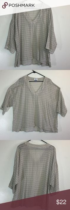 Old Navy Boho style top In great condition Old Navy Tops