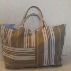 Tote Purse, Tote Handbags, Library Bag, Denim Ideas, Bags Uk, Jute Bags, Denim Bag, Fabric Bags, Pouch