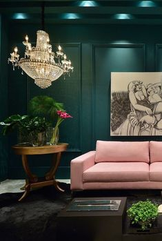 Green and Pink Living Room Idea Lovely Dark Green Walls and Pale Pink sofa Dark Green Living Room, Dark Green Rooms, Dark Walls Living Room, Eclectic Living Room, Living Room Designs, Living Room Decor, Dining Room, Green Bedroom Design, Bedroom Green