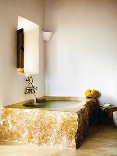 Bath tub by and for Alexandre de Betak