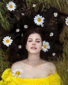 Lana Del Rey Fan, Lanna Del Rey, Elizabeth Woolridge Grant, Brooklyn Baby, Music Aesthetic, Queen Mother, Mellow Yellow, Music Artists, Religion