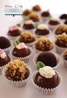 Gaštanové guľky Christmas Baking, Christmas Recipes, Yummy Cookies, Mini Cupcakes, Nutella, Tiramisu, Cake Decorating, Decorating Ideas, Muffin
