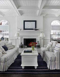Simple living room via Home Bunch. #laylagrayce #living