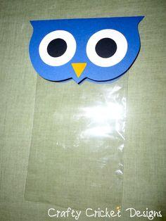 Crafty Cricket Designs: Owl Party Favor Bags