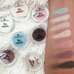 essence the velvets eyeshadow swatches