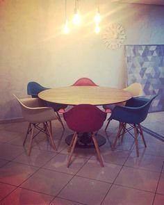 Mesa redonda Tulipa Saarinen Photo And Video, Chair, Furniture, Instagram, Home Decor, Tulip, Mesa Redonda, Decoration Home, Room Decor