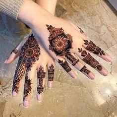 Circle Mehndi Designs, Pretty Henna Designs, Khafif Mehndi Design, Finger Henna Designs, Back Hand Mehndi Designs, Stylish Mehndi Designs, Mehndi Designs For Girls, Bridal Henna Designs, Mehndi Designs For Fingers