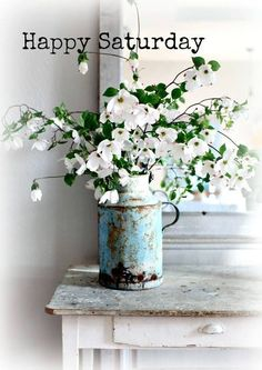 Dreamy Whites: Dogwood and a French Milk Canister Fresh Flowers, White Flowers, Beautiful Flowers, Simple Flowers, Dogwood Flowers, Cut Flowers, Shabby Flowers, Rustic Flowers, Elegant Flowers