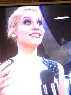claire danes looks like the joker...why so serious