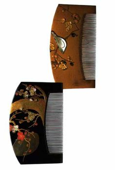 Lacquer combs with makie gold and mother-of-pearl decoration by HARA Yoyusai (late Edo period),Japan 原羊遊斎