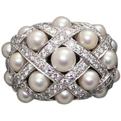 Chanel Baroque Pearl Diamond 18K White Gold Ring- 5 ❤ liked on Polyvore featuring jewelry, rings, chanel, diamond rings, chanel ring, diamond jewellery, 18 karat gold ring and baroque pearl ring