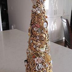 Large Jeweled Christmas Tree | Etsy Vintage Jewelry Crafts, Vintage Costume Jewelry, Vintage Costumes, Jewelry Art, Jeweled Christmas Trees, Cone Christmas Trees, Glass Christmas Tree, Vintage Pins, Vintage Brooches